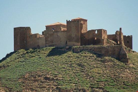 105303 huesca castillo de montearagon