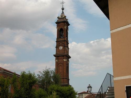 Il campanile della chiesa parrocchiale.