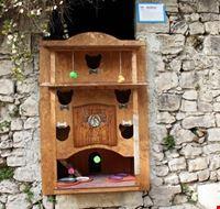 105762 modica cat village