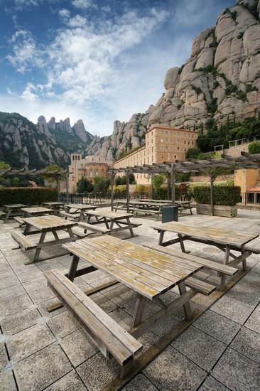 Foto monestir de montserrat a barcellona 366x550 for Villaggi vacanze barcellona