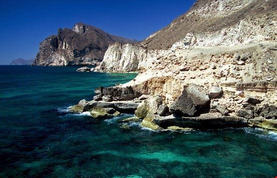 salalah al mughsail beach