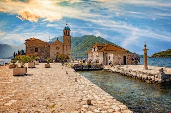 Chiesa di Nosta signora delle rocce a Kotor