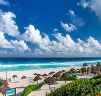 106338 cancun playa delfines