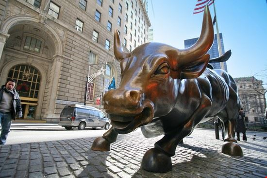 new york toro di wall street