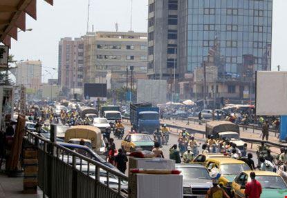 cotonou strada affollata