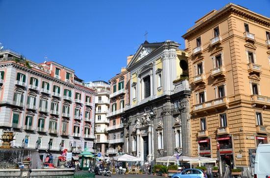 Chiaia, Piazza Trento e Trieste