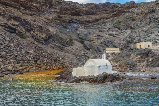santorini hot springs