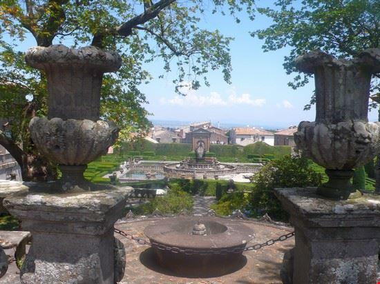 Villa Lante - Fontana del quadrato o dei mori e giardino all'italiana