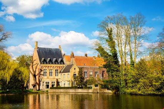 bruges minnewater