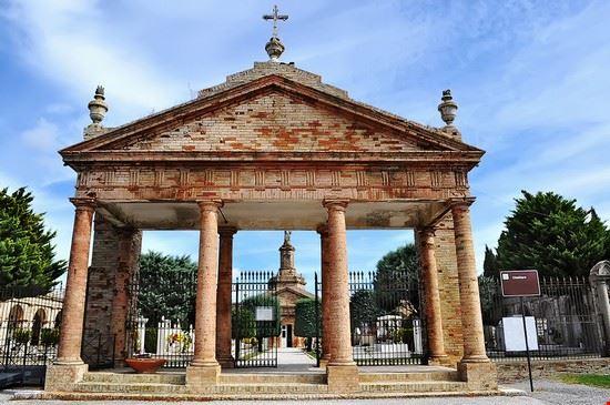 106972 monterubbiano cimitero