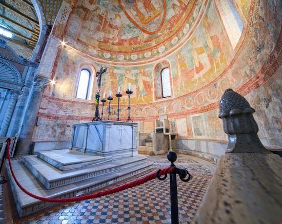 grado basilica di santa maria assunta ad aquileia