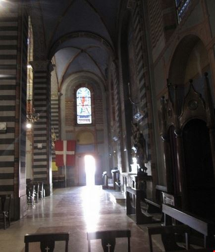 Una navata del Santuario