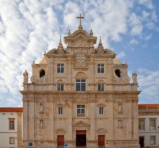 Fachada de la Catedral Nueva, Coímbra, Portugal