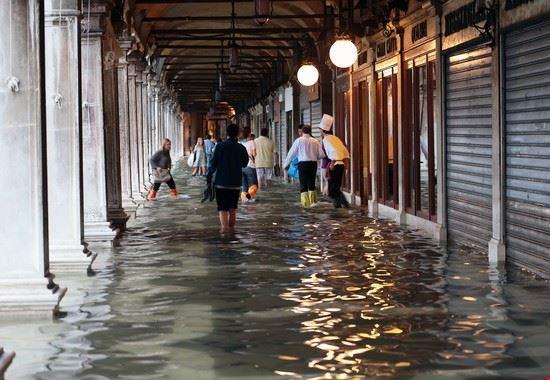 109810 venezia acqua alta