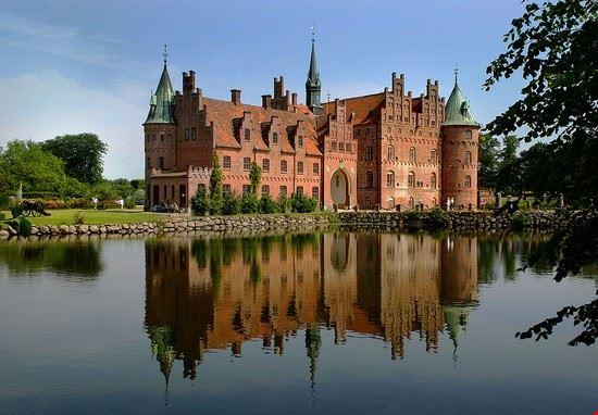 109936 odense egeskov castle denmark