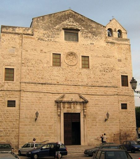 chiesa di santa chiara a trani