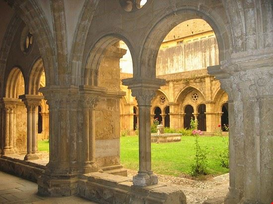 coimbra chiostro della cattedrale vecchia