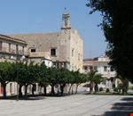Piazza Cavour con lo sfondo il Castello Chiaramontano
