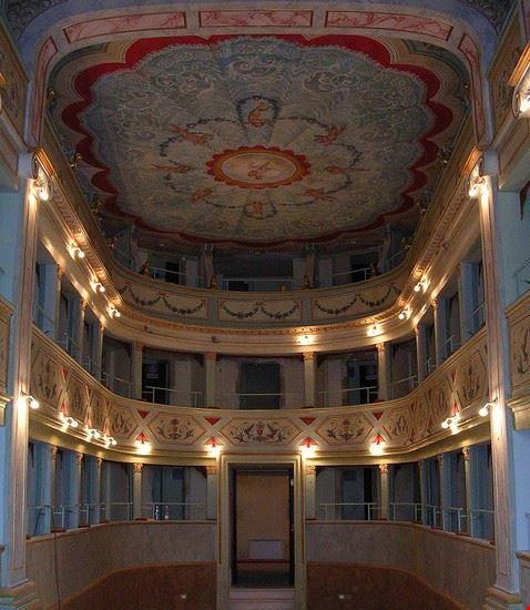 Veduta dei palchi del Teatro Apollo di Mondavio