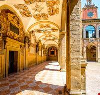 111138 bologna palazzo dell  archiginnasio