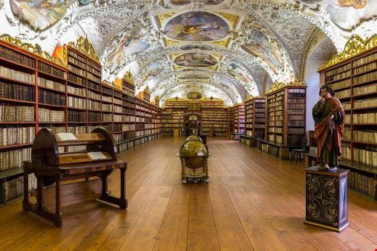 111194 praga biblioteca del monastero