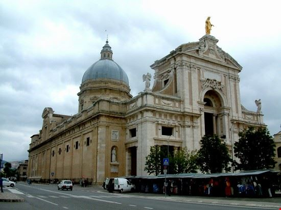 assisi basilica di santa maria degli angeli