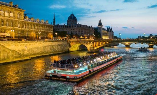 giro sulla senna parigi