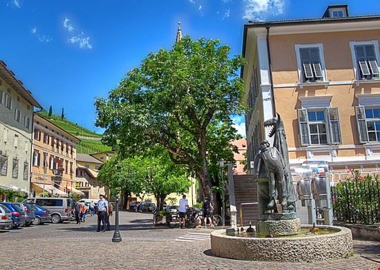termeno sulla strada del vino fontana dedicata all  egetmann