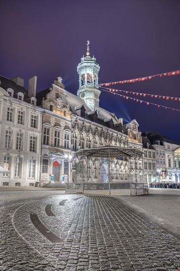 grand place mons