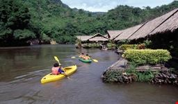 house rafting on the river Khwai