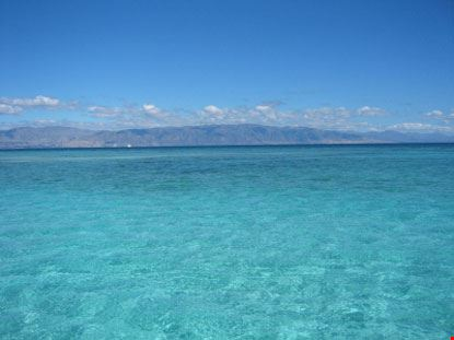 les cayes isola spiaggia e mare