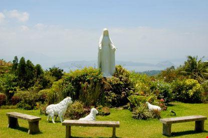 tagaytay statua della madonna