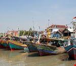 surabaya traditional fish boat