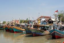 surabaya traditional fish boat