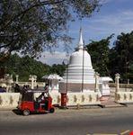 kandy rickshaw outside a buddhist temple