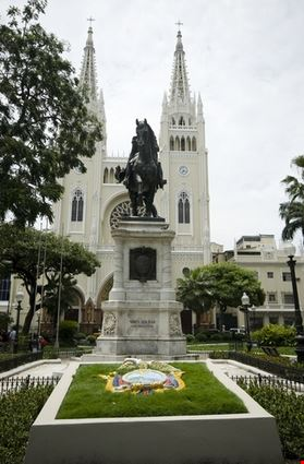 guayaquil simon bolivar statue and cathedral