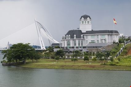 Istana Darul Ehsan Palace