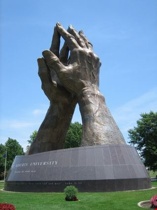 Praying Hands - Oru