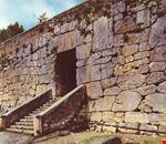 Mura ciclopiche e ingresso all'Acropoli