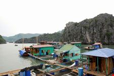 Floating fisherman's village