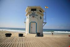 """Famous """"laguna beach"""" Lifeguard Tower"""