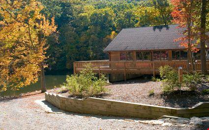 Beautiful lodge in the fall