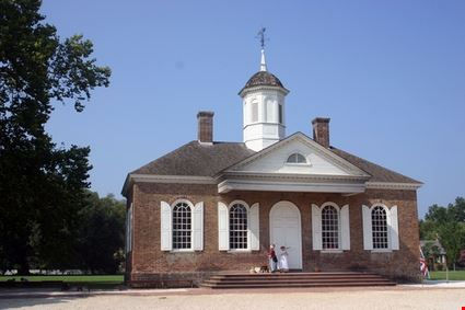 Colonial Courthouse