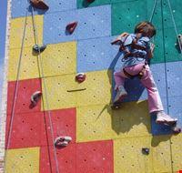 15142 male arrampicata