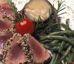 La Filanda - tagliata di tonno con torretta di melanzane e fagiolini croccanti