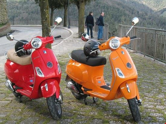 Le Strade in Vespa