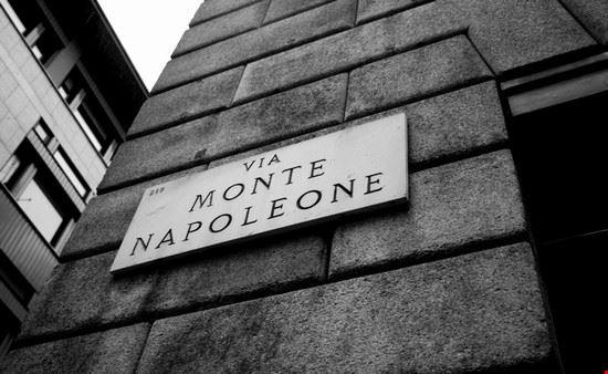 15565 milano via monte napoleone