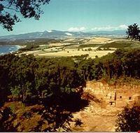 piombino parco archeologico di baratti e populonia necropoli delle