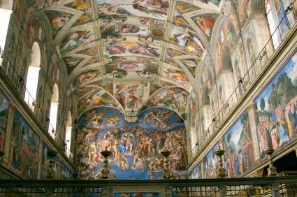 Foto interno della cappella sistina a roma 425x282 for Decorazione quattrocentesca della cappella sistina
