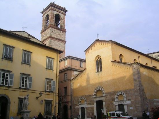 15668 lucca altra chiesetta